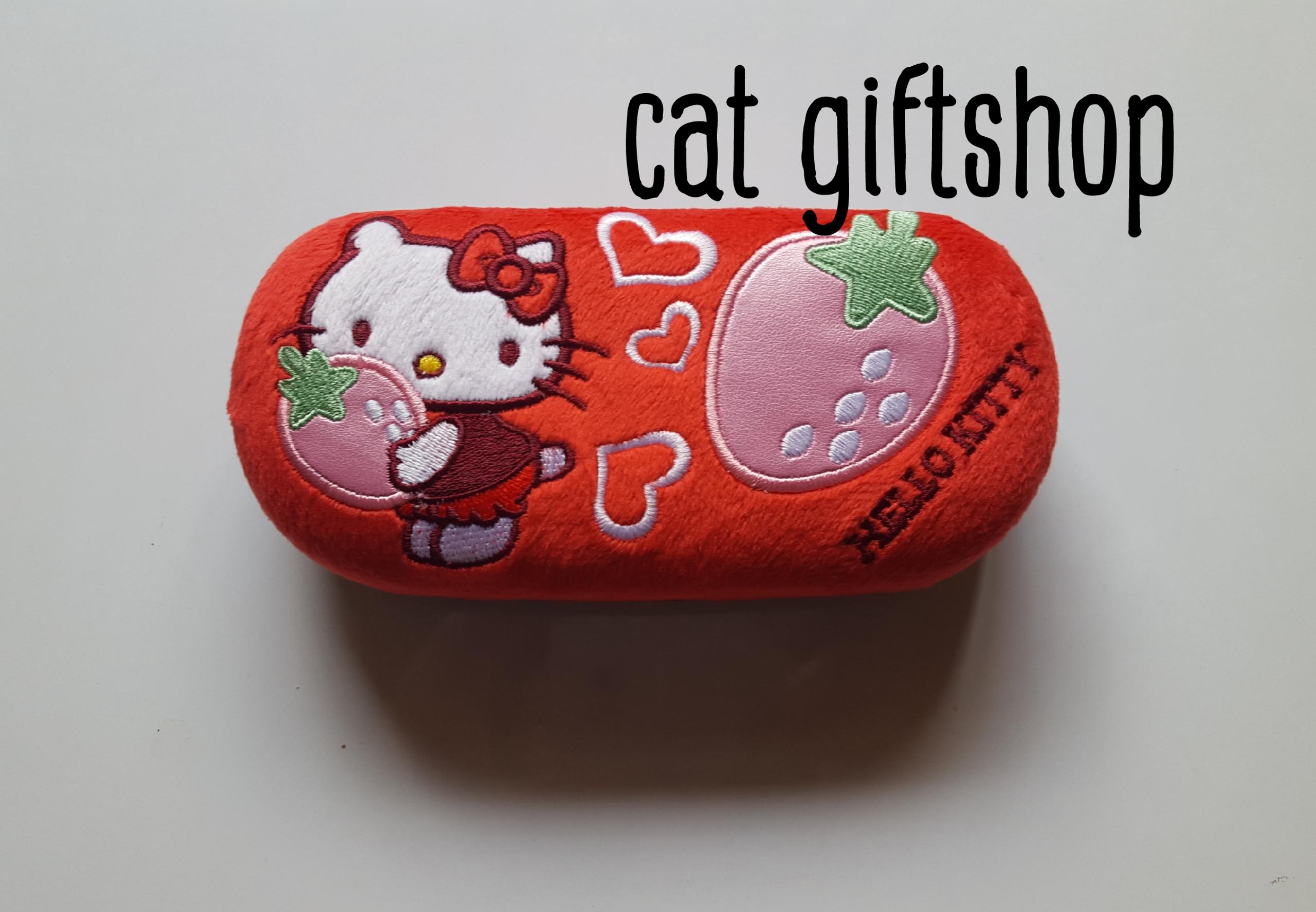 พร้อมส่ง :: กล่องแว่นตา Hello kitty สีแดง