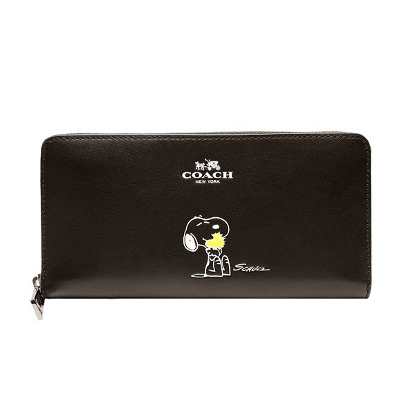 กระเป๋าสตางค์ COACH X PEANUTS ACCORDION ZIP WALLET IN CALF LEATHER F53773