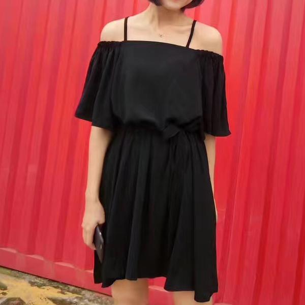 เสื้อผ้าแฟชั่นสไตส์เกาหลี เดรสสายเดี่ยว สีดำ แต่งจั้มแขน ผูกเอว +พร้อมส่ง+