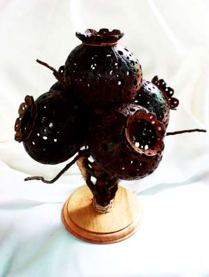 Coconut Shell Lamp (โคมไฟกะลามะพร้าวรูปต้นดอกฝิ่น 5 ดอก)