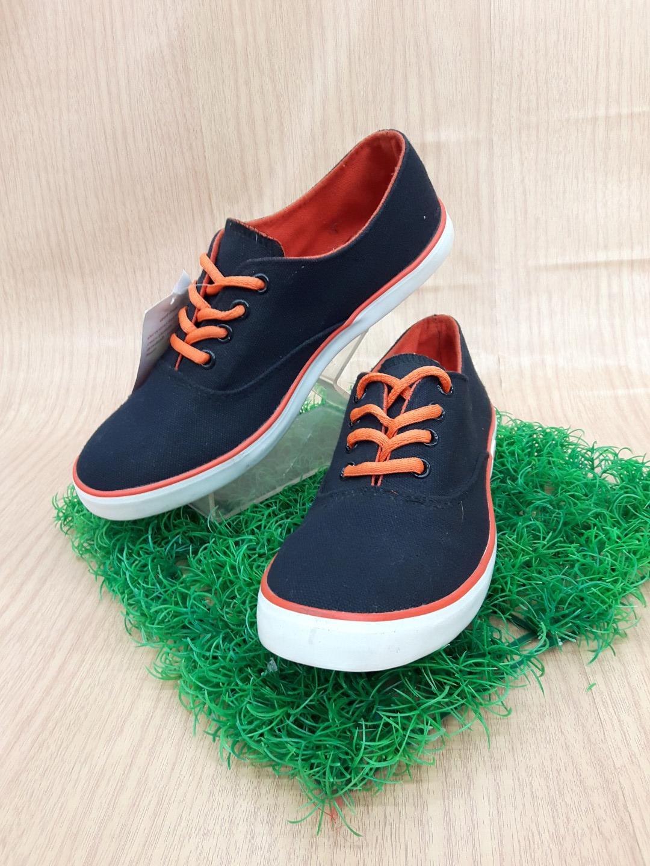รองเท้าผ้าใบ Giallo รุ่น GM1 สีดำส้ม