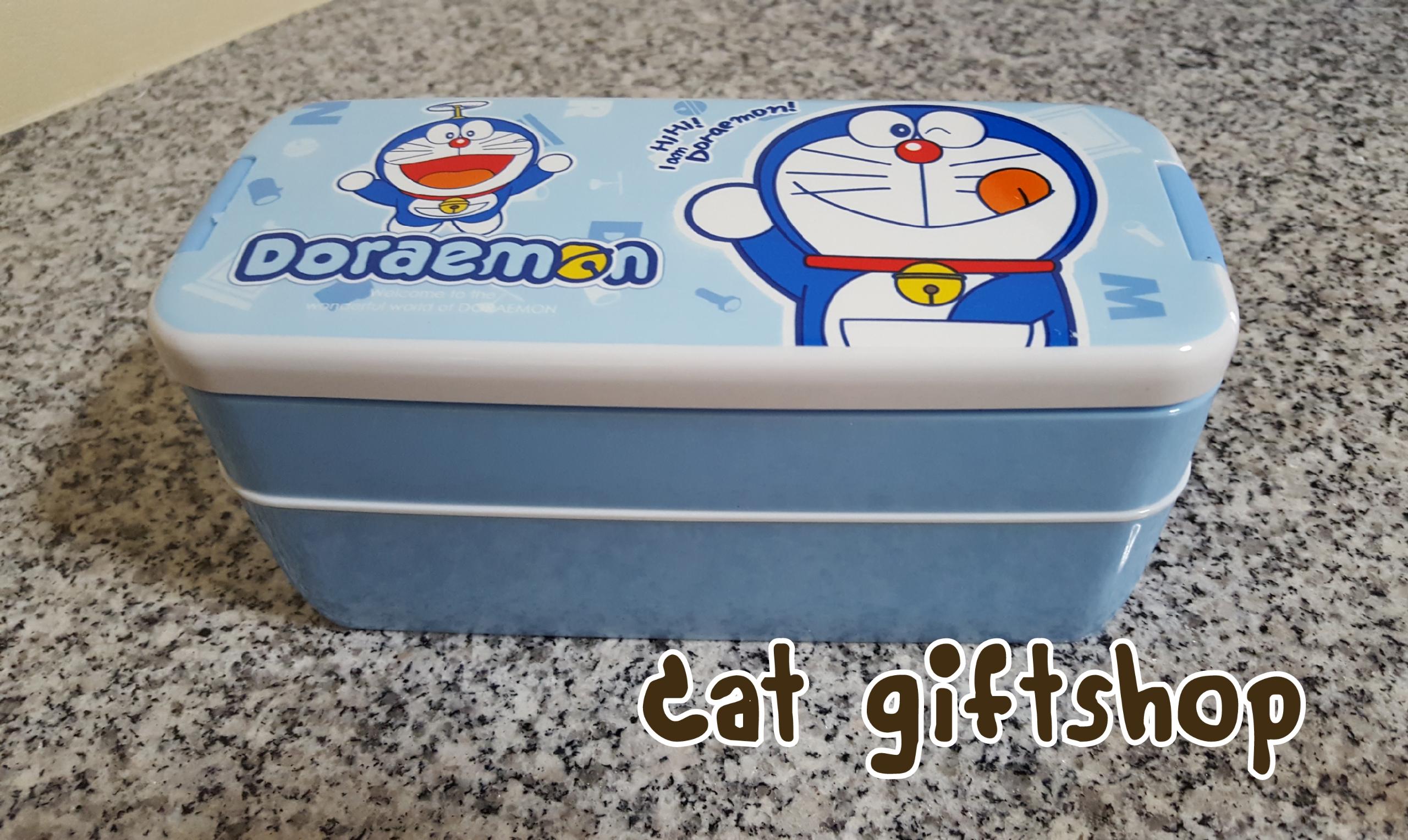 พร้อมส่ง :: กล่องข้าว 2 ชั้น แถมช้อน ลาย Doraemon