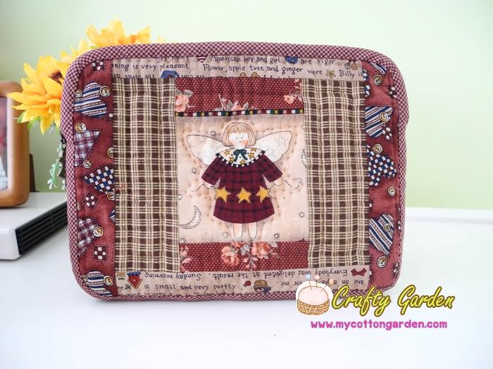 กระเป๋าใส่ Mini Ipad ลาย angle สไตล์คันทรี ผ้าญี่ปุ่นแท้ ควิลล์มือค่ะ ปกป้องไอแพดที่รักของคุณ น่ารักไม่ซ้ำใคร