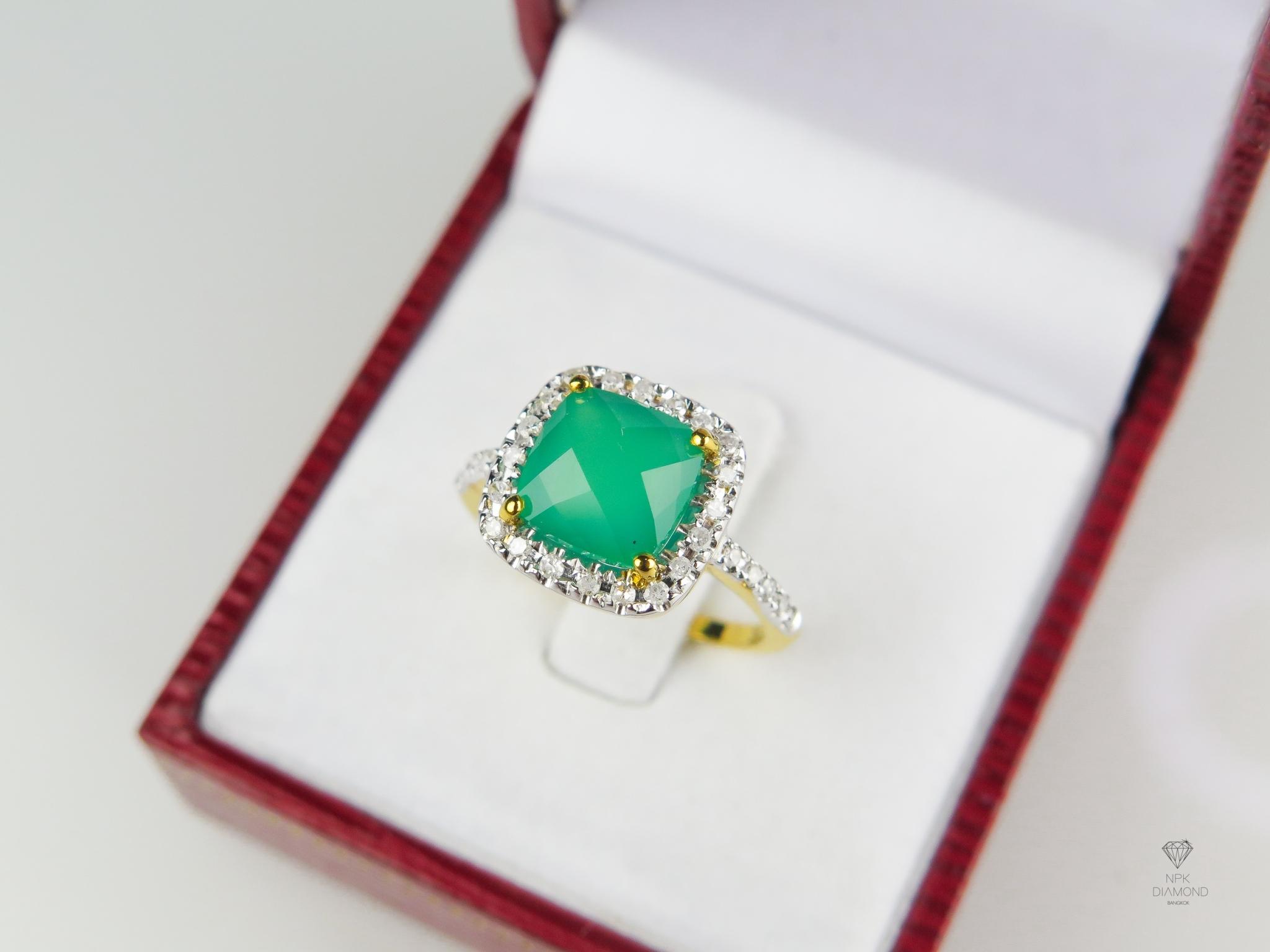 แหวน 9K พลอยโมราล้อมเพชร