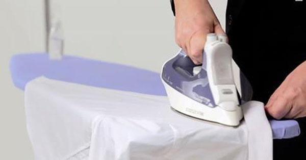 การรีดเสื้อยืด