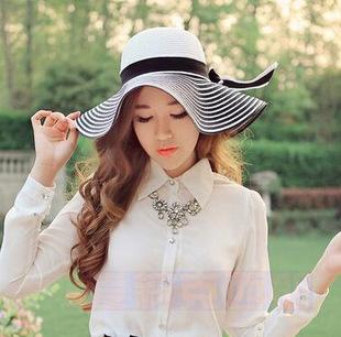 [พร้อมส่ง] HE4057 หมวกสาน/หมวกไปทะเล หมวกปีกกว้าง ทูโทนขาวดำลายขวาง แต่งริบบิ้นโบ งานเก๋แบบเกาหลีค่ะ