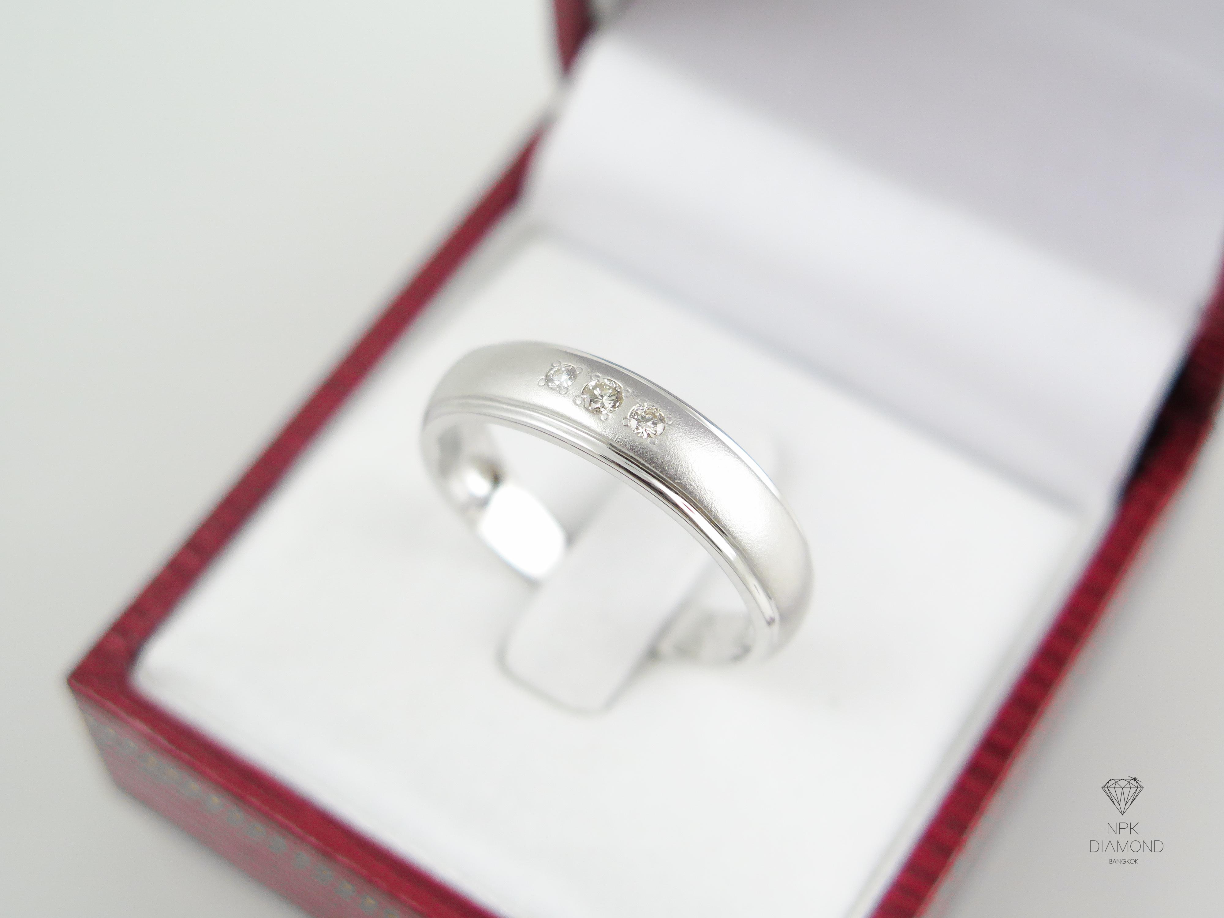แหวนปลอกมีดฝังเพชร