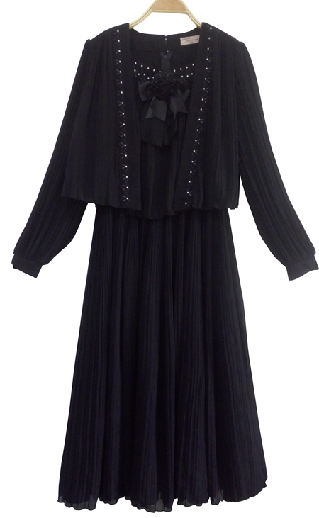 ชุดดำ เดรสดำ ชุดไว้ทุกข์ ชุดวินเทจสีดำ BRAND: SANWA ERIGANCE TOKYO