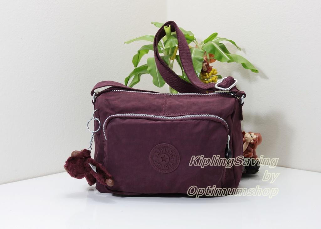 Kipling Reth S Crimson กระเป๋าสะพาย รุ่นที่เล็กลงมาหน่อยจากรุ่น Reth ขนาด 23 L x 15.5 H x 13.5 W cm