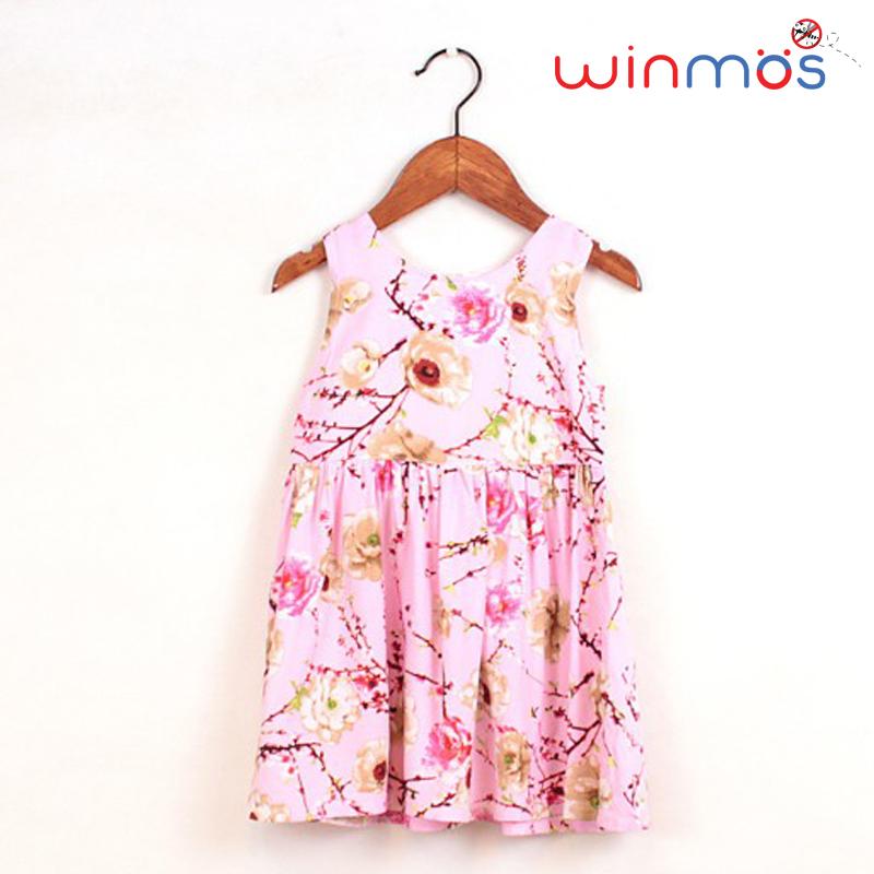 W139 : ชุดเดรสผ้าคอตตอนแขนกุดสีชมพูลายดอกไม้