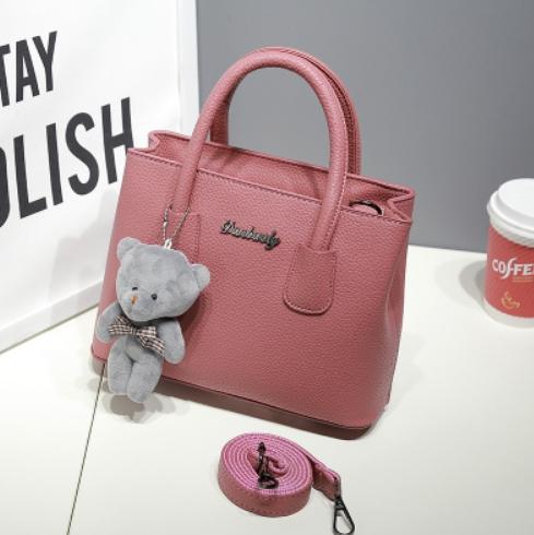 กระเป๋าสะพายข้างผู้หญิง Girl Tools Nudy แถมหมี