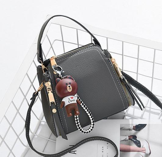 กระเป๋าผู้หญิง dolly bear grey