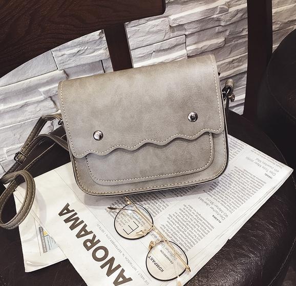 กระเป๋าถือ poppy bag (สี light gray )