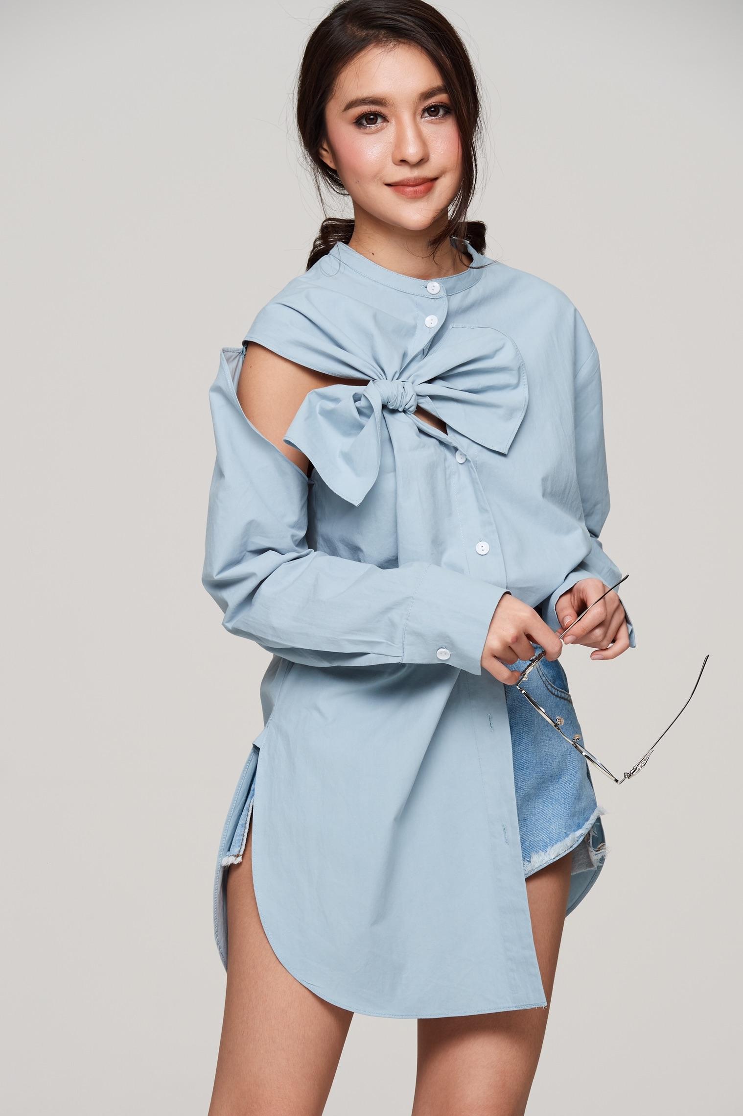 เสื้อเชิ้ตแฟชั่นสีฟ้า