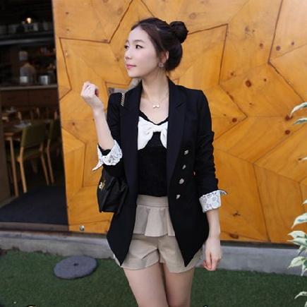 เสื้อคลุมแฟชั่นคอปกแขนยาวสีดำ แขนเสื้อพับแต่งผ้าลูกไม้สีขาว