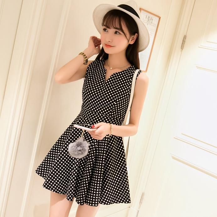 [Preorder] เดรสแฟชั่นแขนกุดลายจุดสีดำ (ไซส์ S M L XL) 2016 small fresh summer dress Korean version of Slim was thin tutu sweet fashion wave point sleeveless vest dress tide
