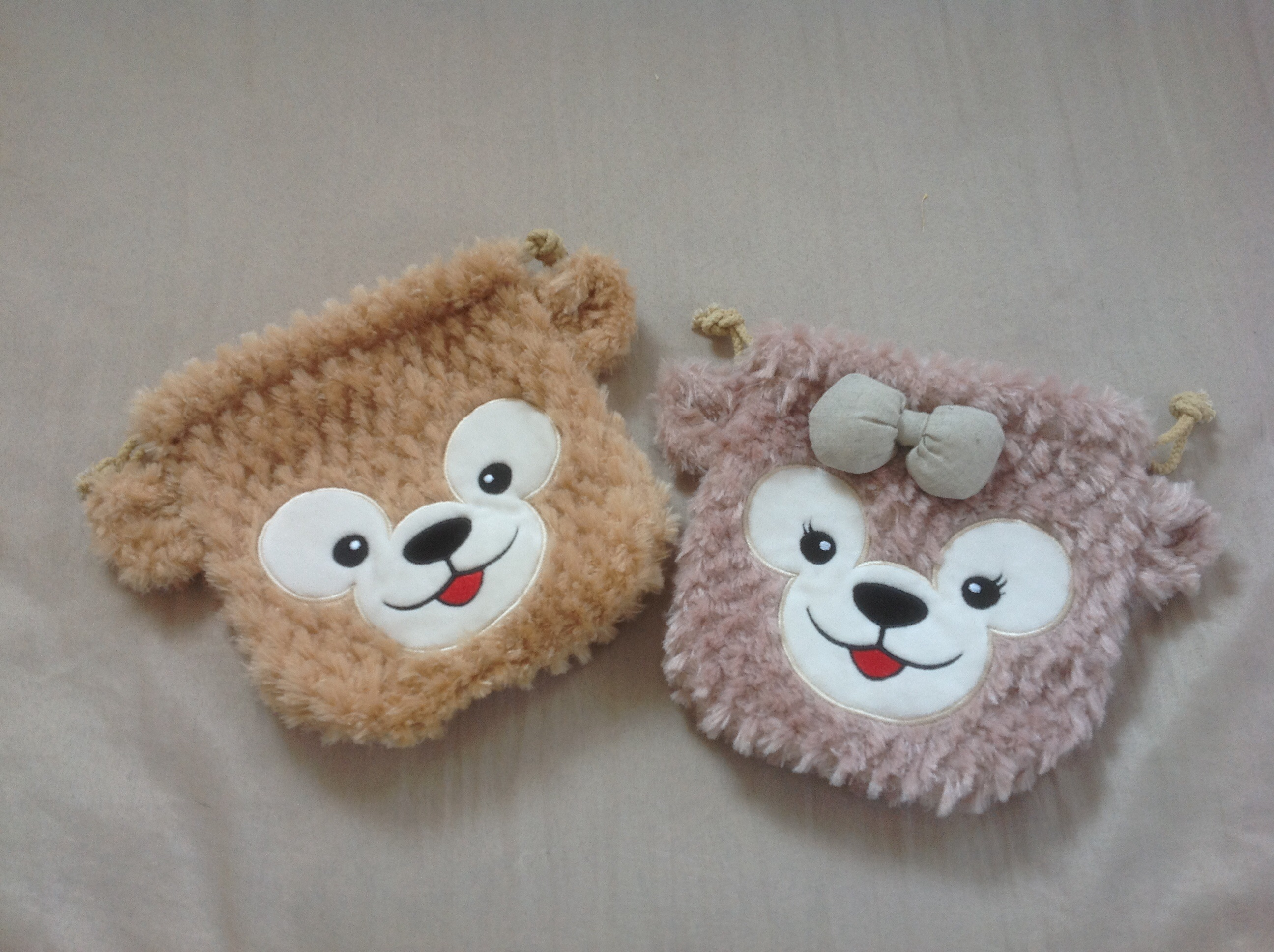 (สินค้าแลกซื้อในราคา 60 บาท) ถุงรูด Duffy Bear ขนนุ่มมากๆ
