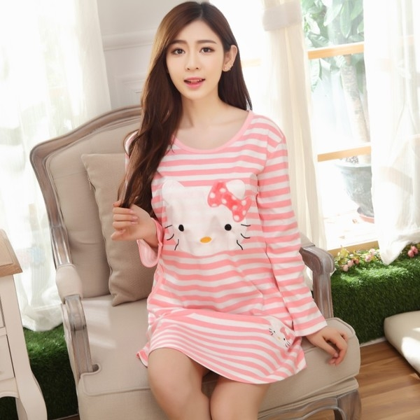 [Preorder] ชุดนอนแฟชั่น Hello Kitty ลายขวาง สีชมพู (ไซส์ M L XL XXL XXXL) Nightgown female long-sleeved cotton nightgown autumn cute hello kitty pajamas large size cartoon home service