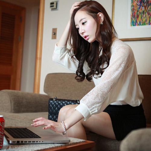 RJ.Story เสื้อแฟชั่นเกาหลีคอปกผ้าโครเชช่วงไหล่ตัดต่อผ้่าลูกไม้ตามภาพ