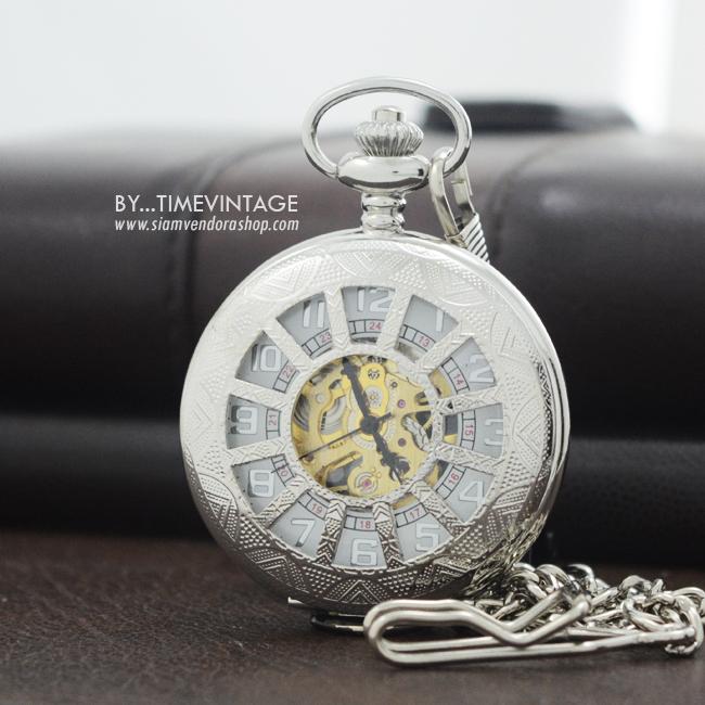 นาฬิกาสำหรับถวายพระภิกษุฝาฉลุลายธรรมจักรสีเงินระบบกลไกไขลาน (พร้อมส่ง)