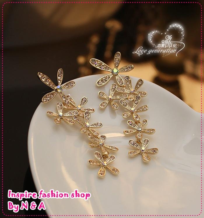 ตุ้มหูยาวดอกไม้สีทอง Han things noble and full of that drilling big wrinkle daisy flower earrings high quality earrings earrings female