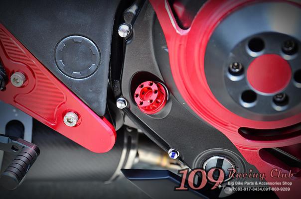 น็อตน้ำมันเครื่อง Er6n/6f แบรนด์ Moth Racing [Er6n/6f Engine Oil Cap]