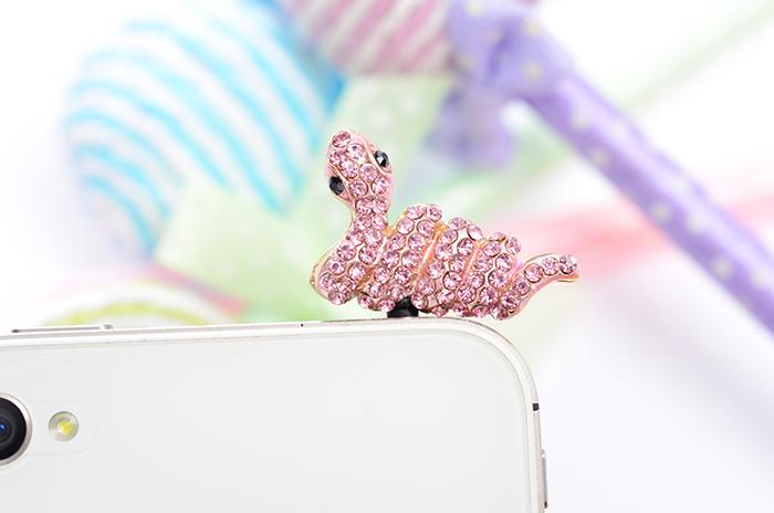 จุกเสียบไอโฟนประดับเพชร ราศีงูน่ารักสีชมพู