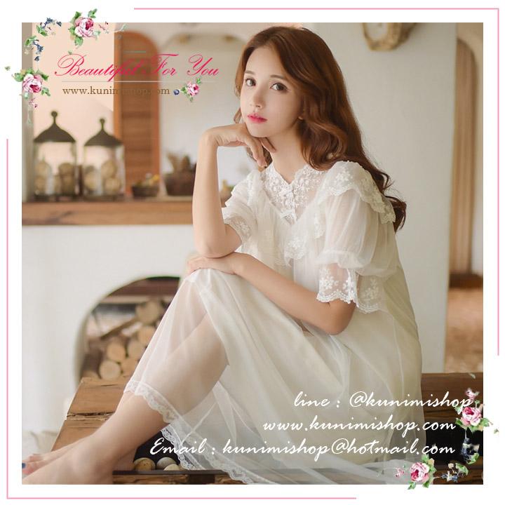 SP082 ชุดนอนกระโปรงยาว สีขาว สวยหวาน สไตล์คุณหนู ผ้าฝ้ายตัดแต่งด้วยผ้าลูกไม้ งานสวยมากคะ