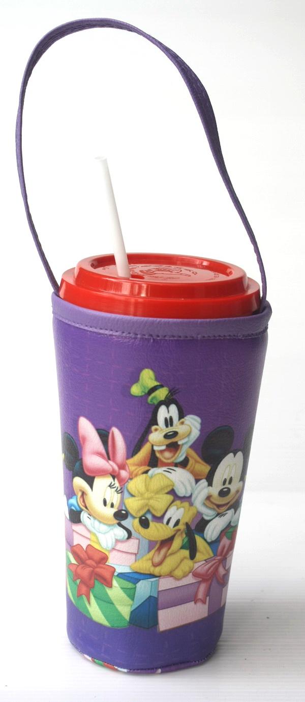 แก้วเก็บความเย็น สะดวกสบายด้วยหูหิ้ว ลาย Mickey & Friends บนพื้นม่วง เก็บความเย็นได้กว่า 5 ชั่วโมง