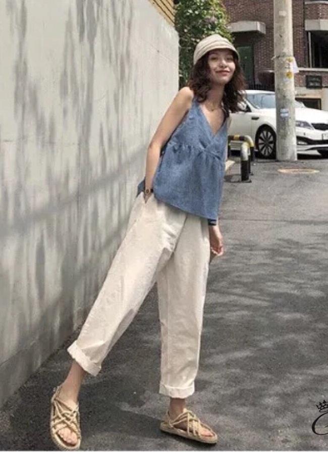 ชุดเซทแฟชั่น ชุด Set 2 ชิ้น เสื้อสายเดี่ยวคอวี+กางเกงขายาว เสื้อสายเดี่ยวคอวี กางเกงทรงตรง