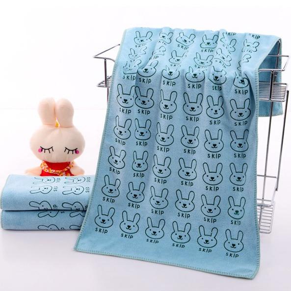 ผ้าเช็ดตัวนาโน ผ้าขนหนูนาโน ขนาด 70 x 140 cm (แบบหนา 400 gsm ) ลายการ์ตูนสีฟ้า