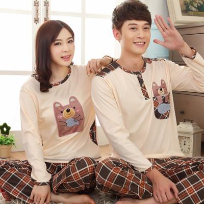Pre Order ชุดนอนคู่รักเกาหลี เสื้อคอกลมแขนยาว ลายน้องหมี+กางเกงขายาวลายสก๊อต มี2แบบ