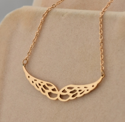 Miss Jin Xianglian 14k rose gold necklace