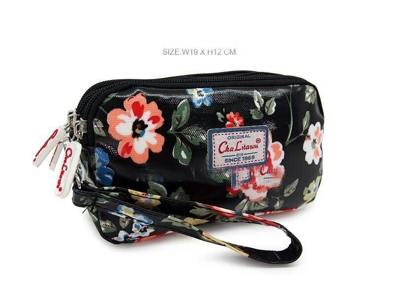 กระเป๋าคล้องมือ Chalita wu สีดำ