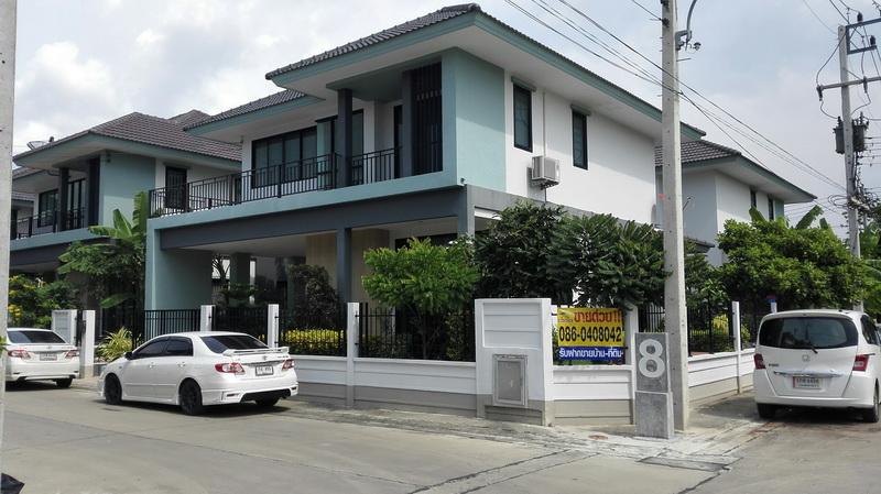 H682 ขายบ้านเดี่ยว 59.9 ตร.วา ม.ฉัตรหลวง13 หลังมุม 4นอน 2น้ำ 1ครัว โครงการติดถนนปทุม-สามโคก(ถนน 346) ต่อเติมใหม่ พร้อมอยู่